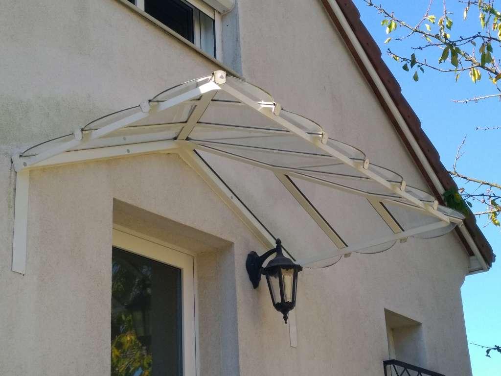 Protection d'entrée de forme traditionnelle en aluminium en verre trempé incolore RAL 9010 Brillant